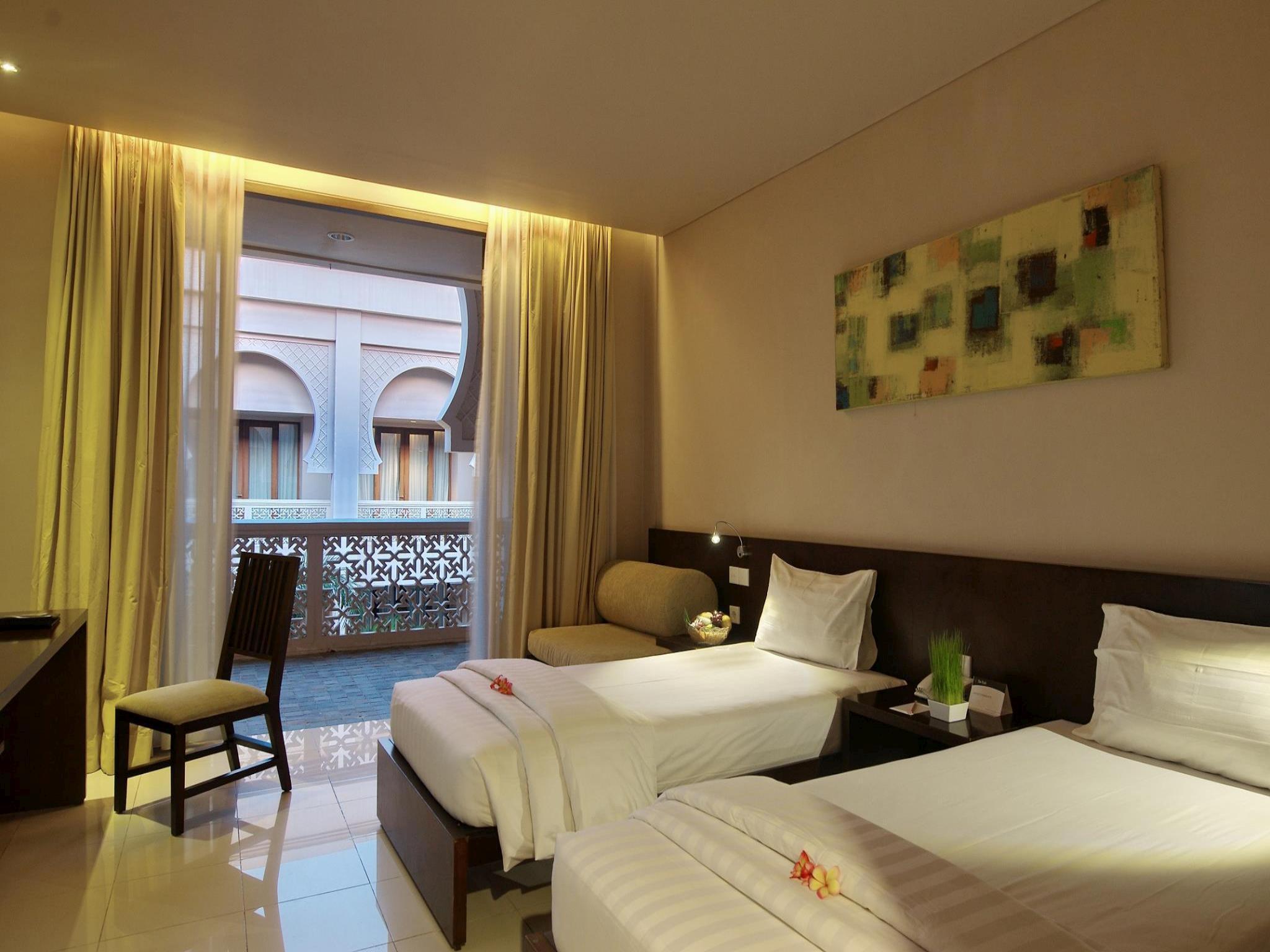 http://pix8.agoda.net/hotelImages/109/109027/109027_16110310560048380626.jpg