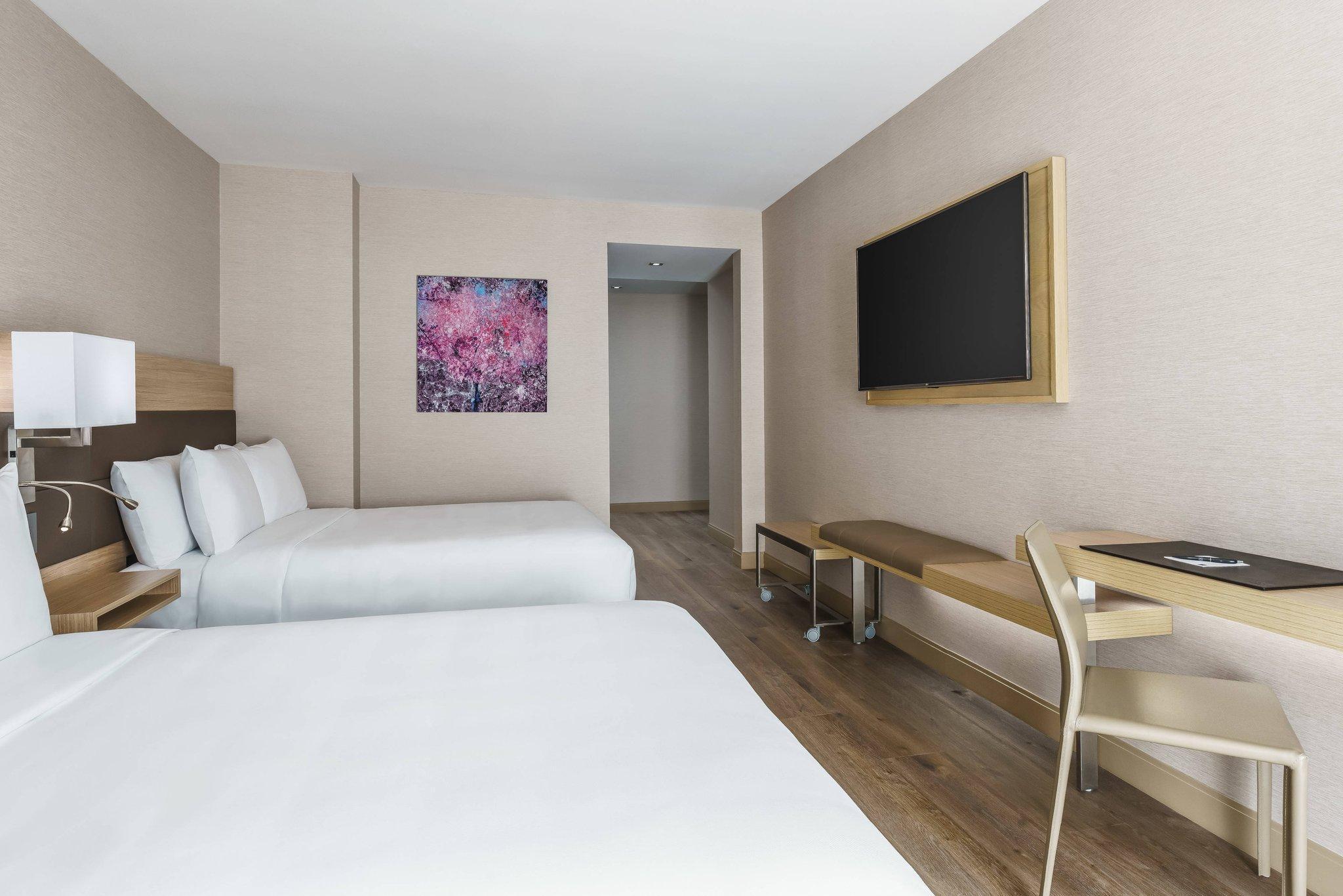 Guest room, 2 Queen, High floor