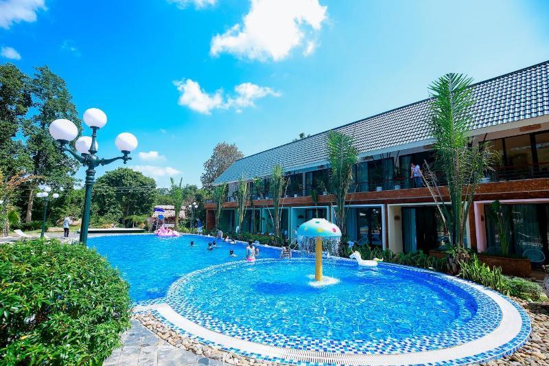 May Tropical Villa