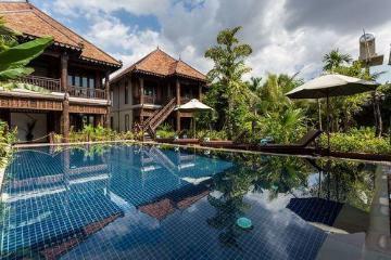Villa e residenza in legno di Java