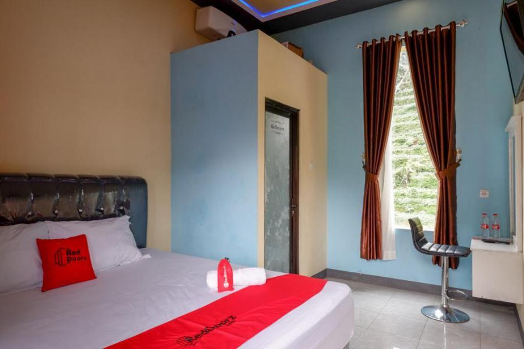 Fasilitas kamar RedDoorz @ Gerbang Dieng Plateau Area