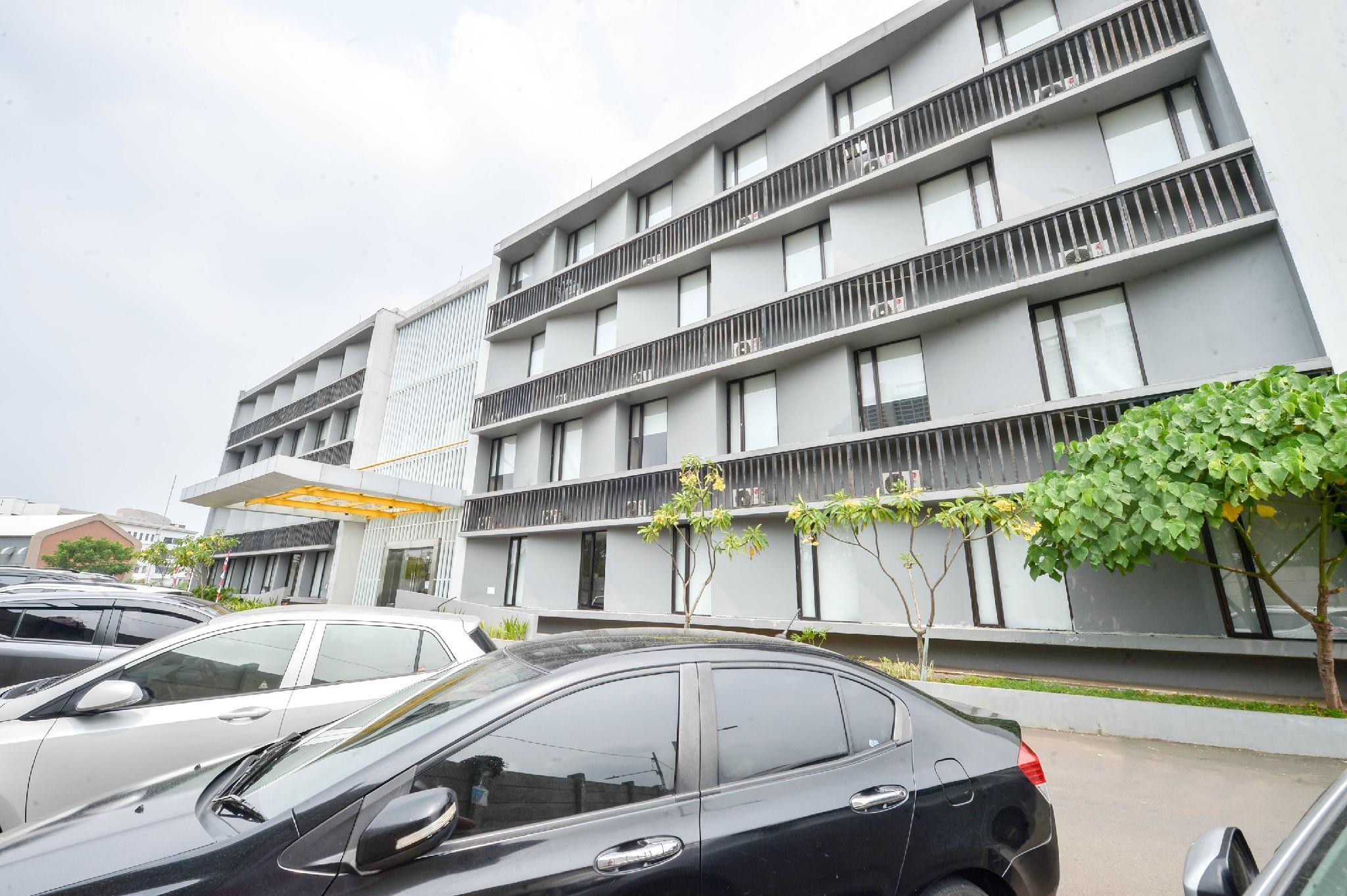 SleepZzz Hotel Pulomas, East Jakarta