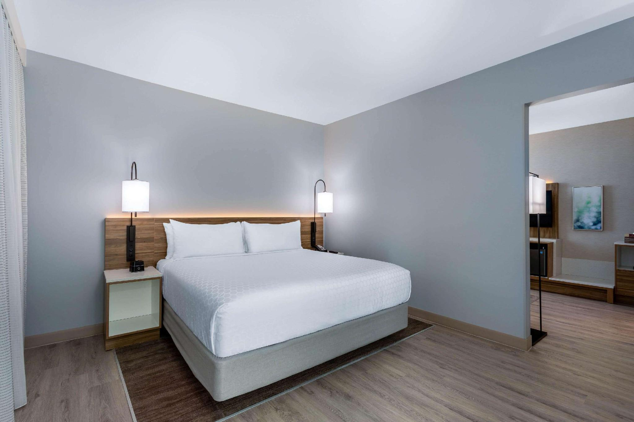 1 King Bed, Mobility Accessible 1 Bedroom Suite, Non-Smoking