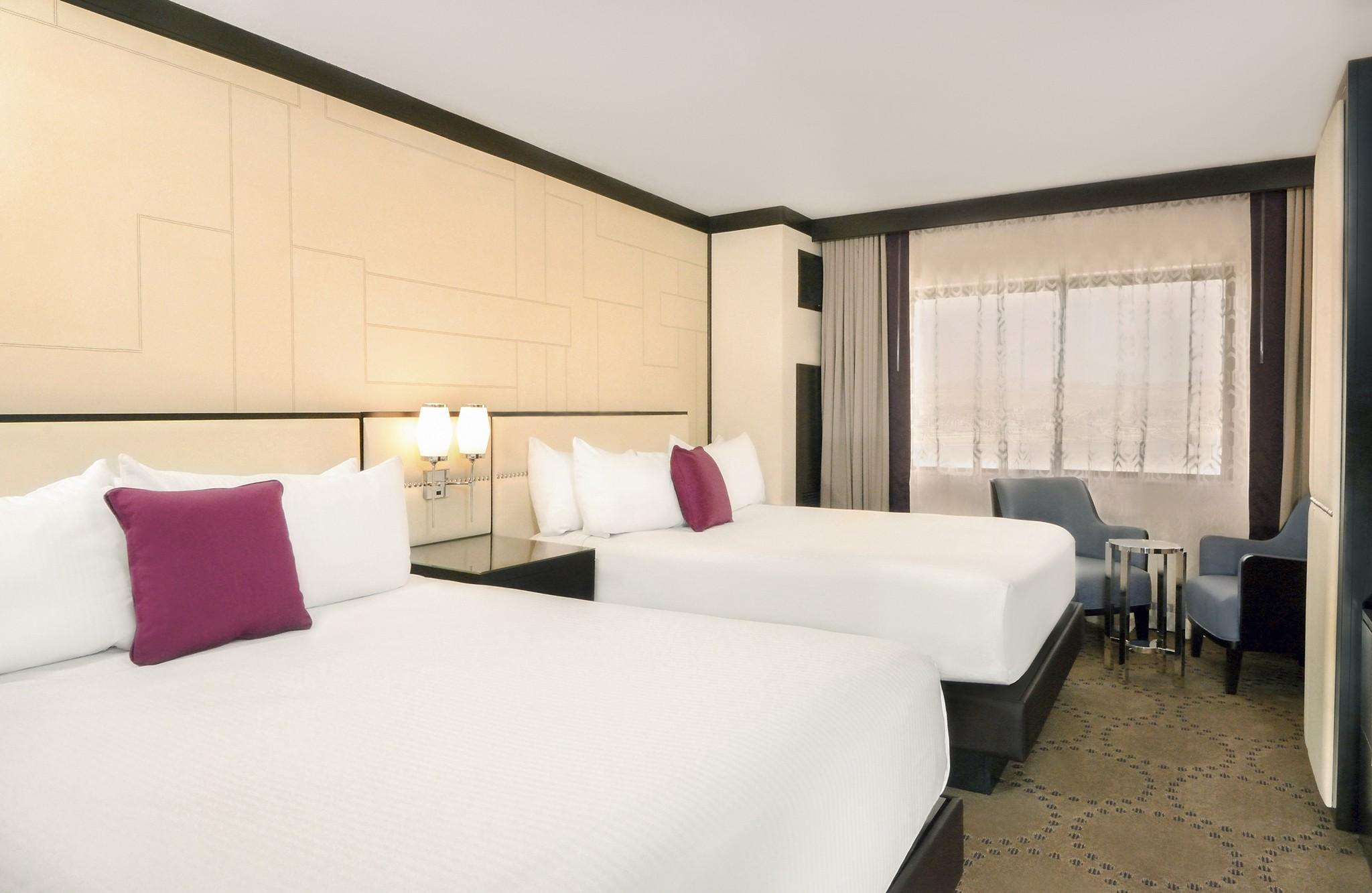 South Tower Premium Room with 2 Queen Beds - Smoking