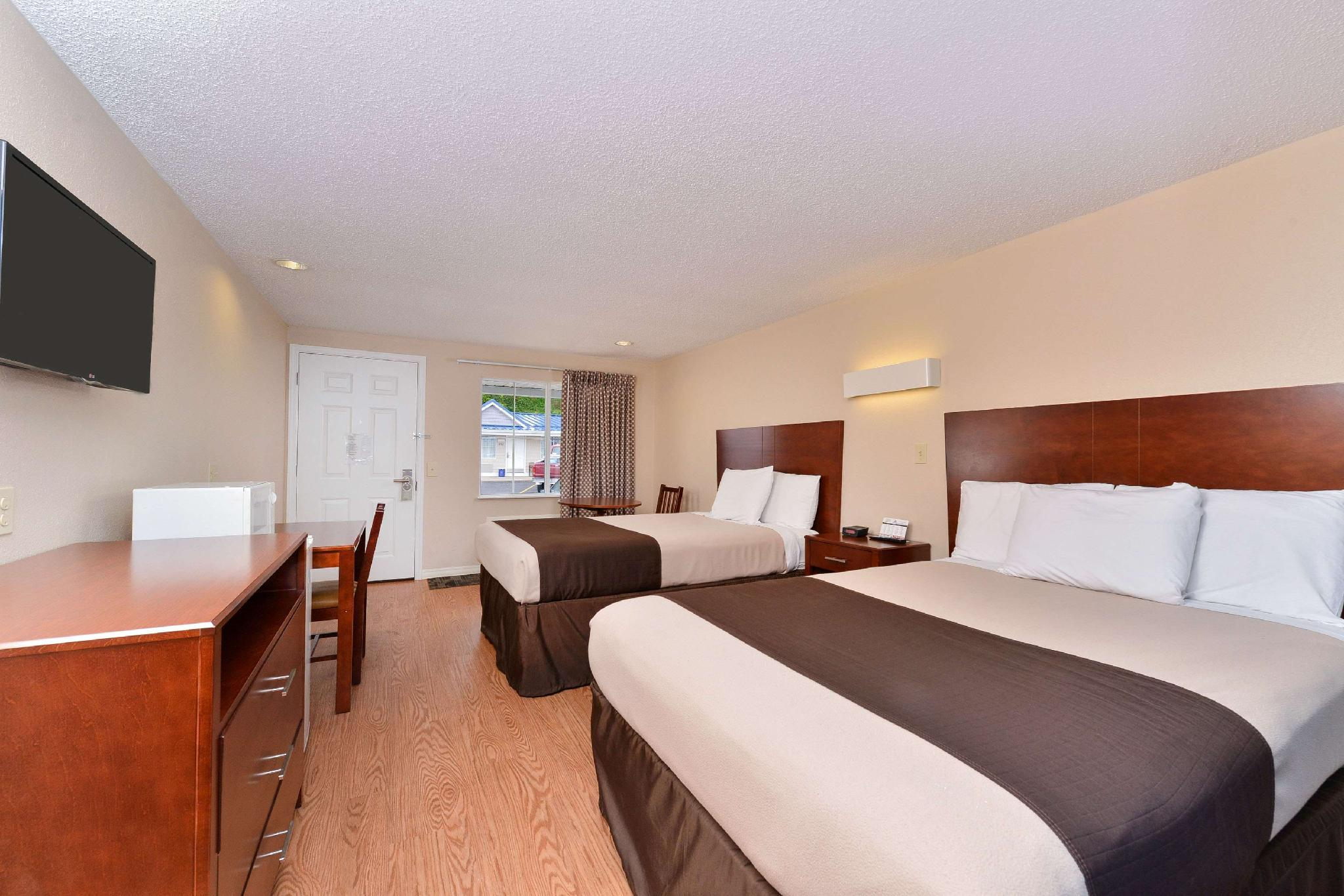 Double with 2 Double Beds - Non-Smoking