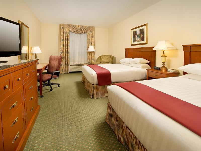 Deluxe 2 Queen Beds