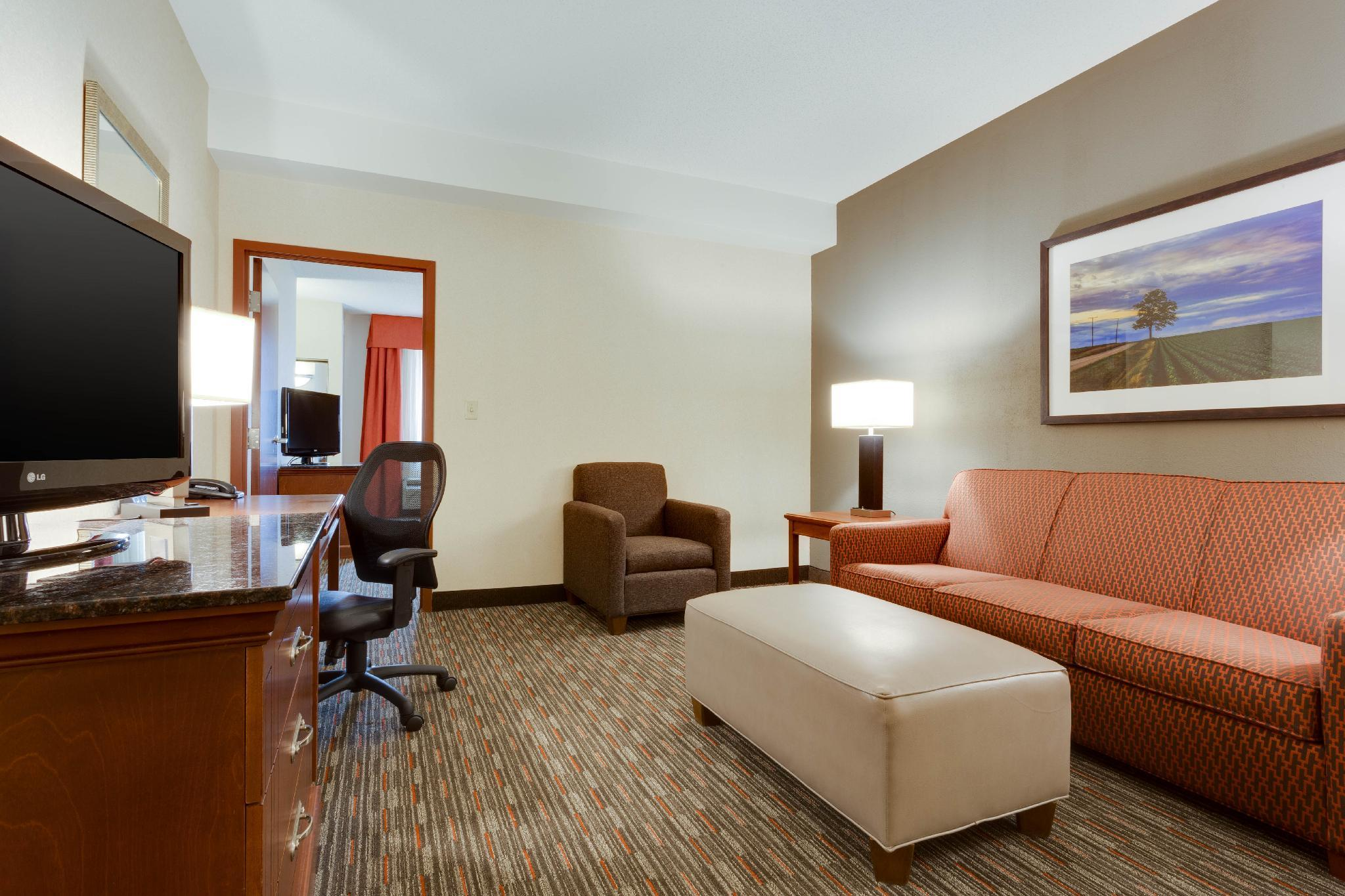Oversized Suite with 2 Beds