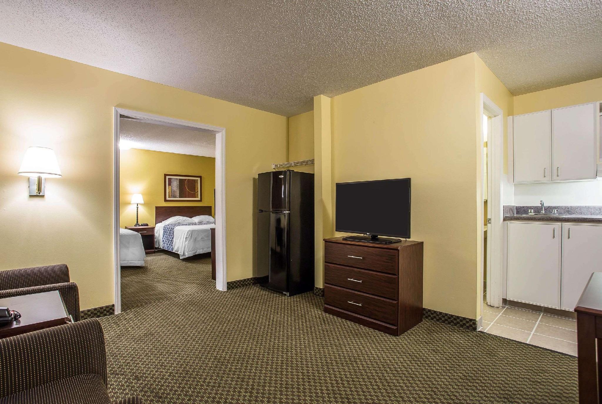Suite 2 Queen Beds
