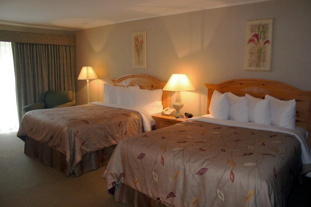 2 Queen Beds, Oversized Room