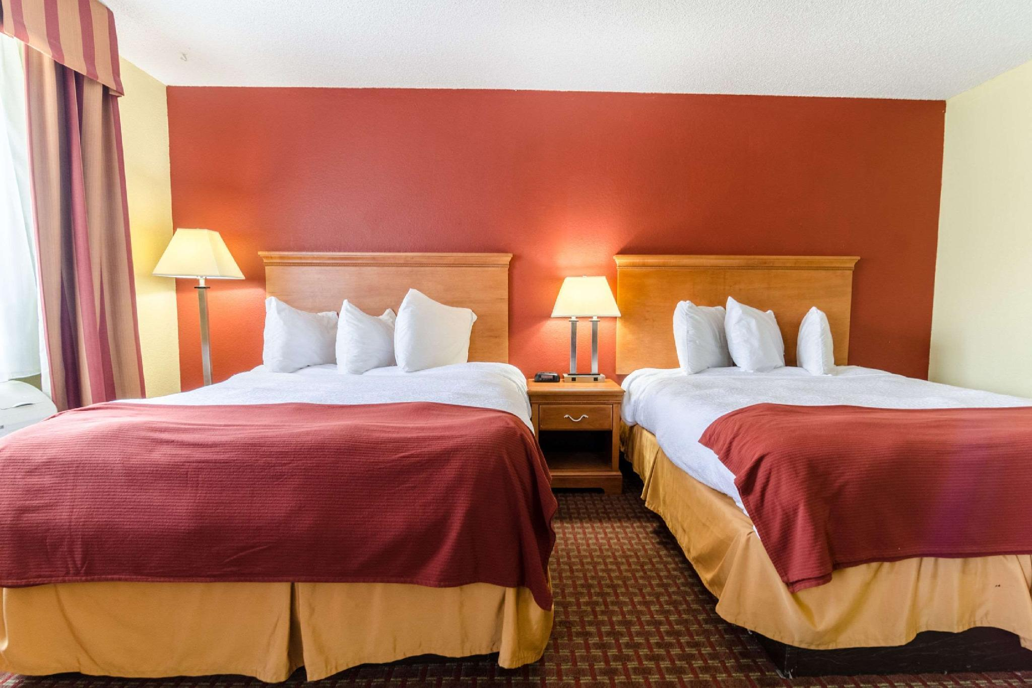 2 Queen Beds Suite