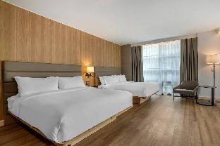 Guest room, 2 King, Corner room