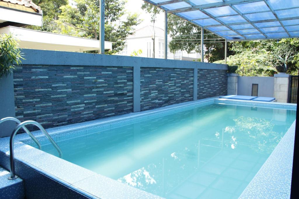 Fasilitas kolam renang Cozy Kostel Managed by Salak Hospitality