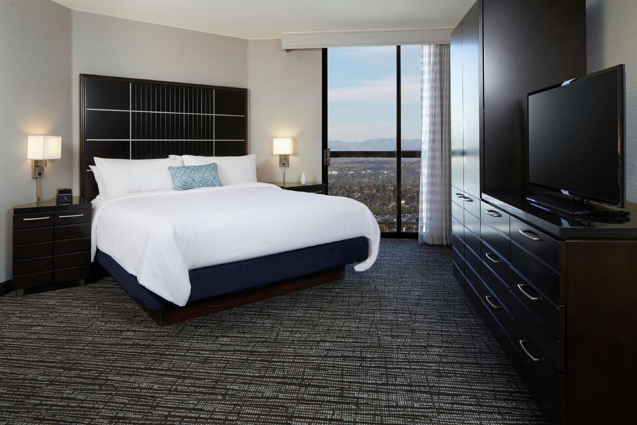 2 Room Suite-Pure Wellness-1 King Bed