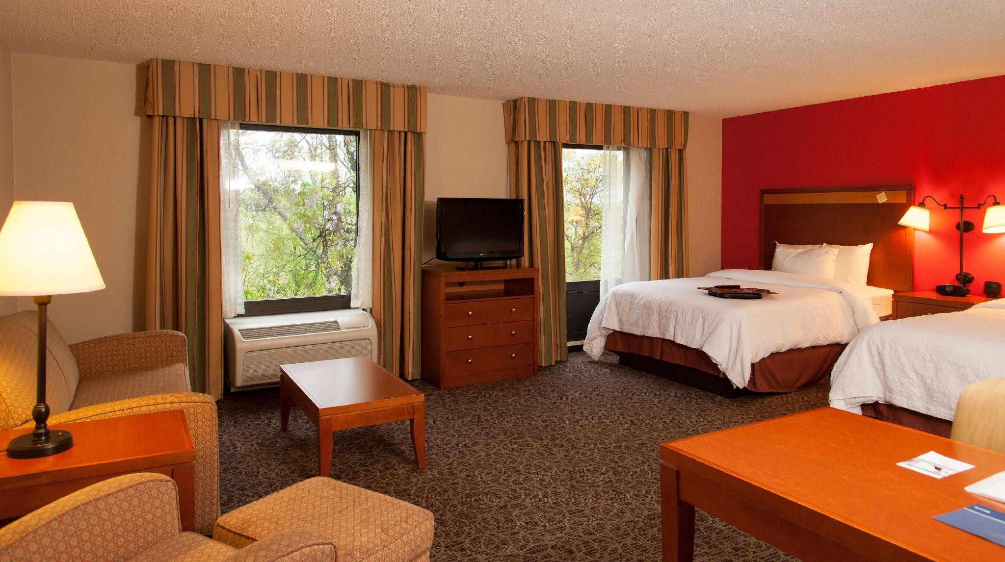 1 Room Suite 2 Queen Non-Smoking