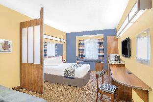 1 Queen Bed Accessible Studio Suite Non-Smoking