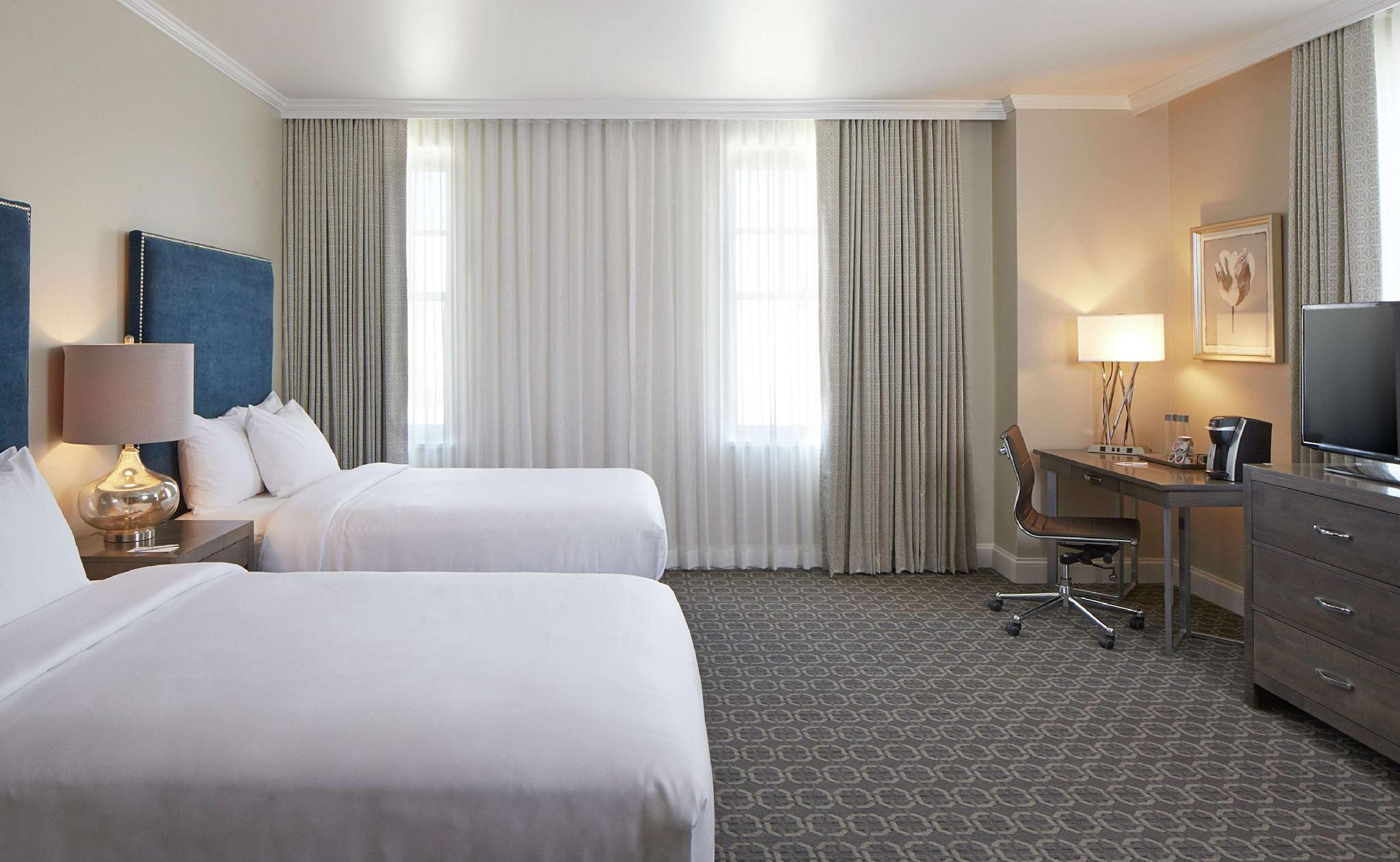 2 Double Beds Corner Room