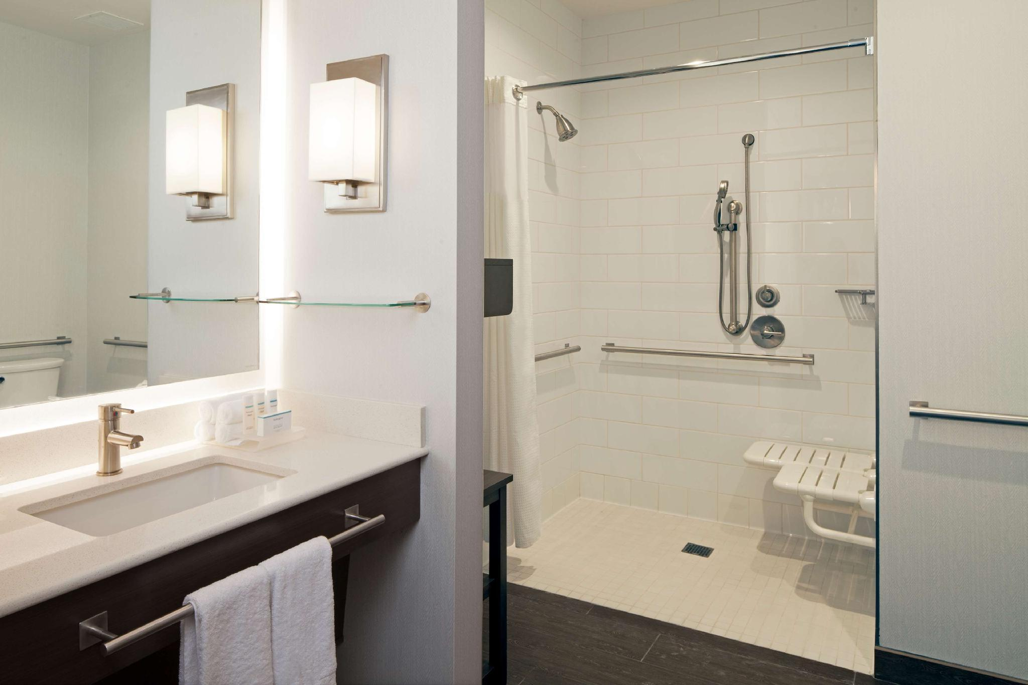 2 Bedroom 1 King or 2 Double Accessible Roll in Shower