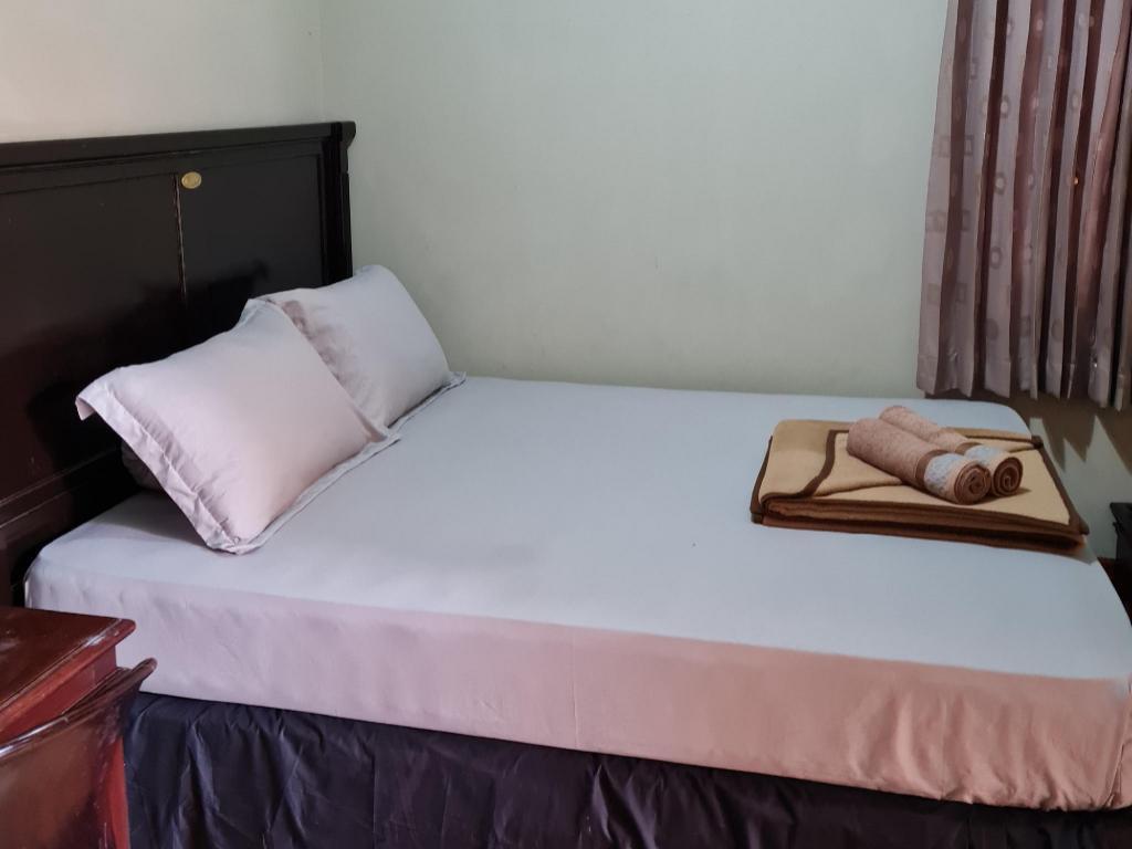 Fasilitas kamar RedDoorz Plus near Jalan Ahmad Yani Banjarmasin 2