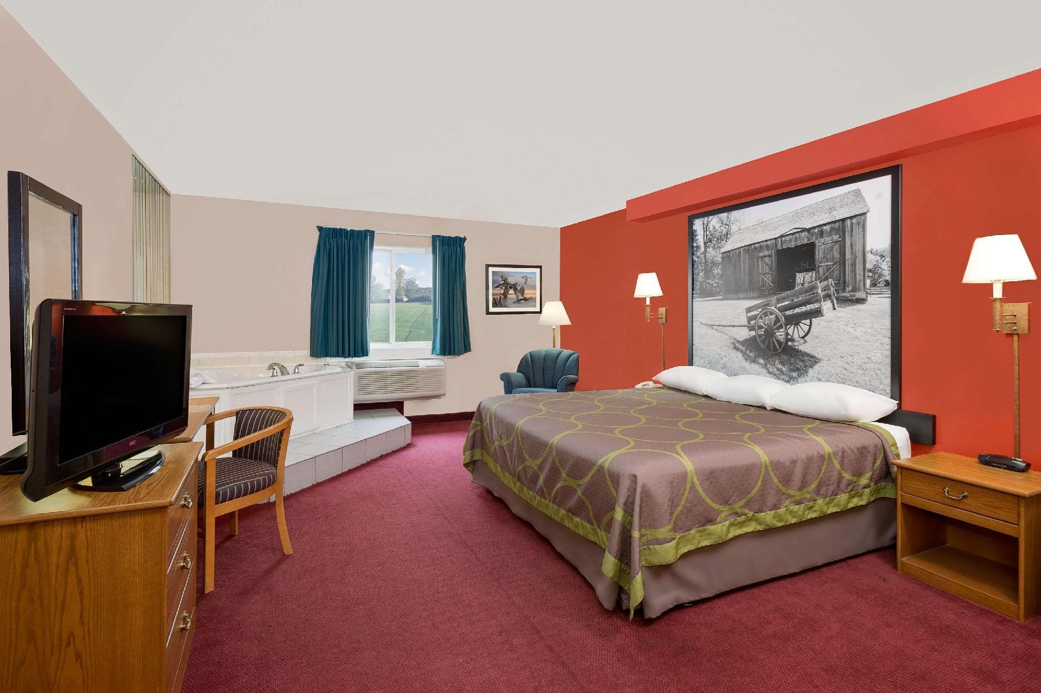 1 King Bed, Deluxe Studio Suite, Non-Smoking