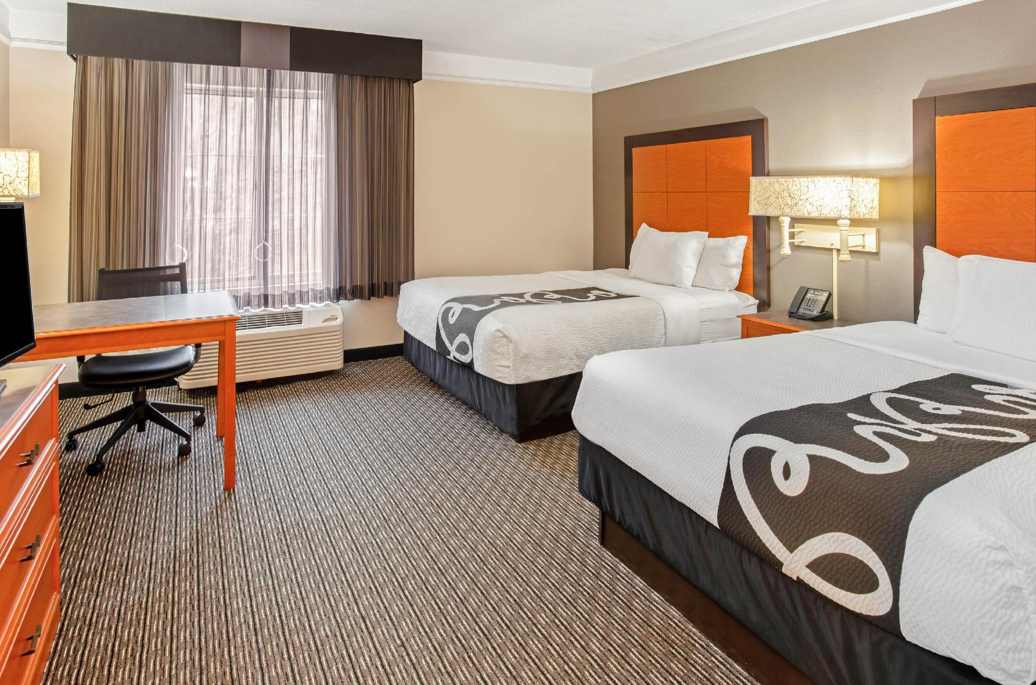 2 Twin Beds, Mobility/Hearing Impaired Accessible Room, Non-Smoking