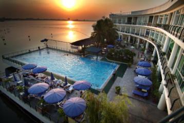 Le Hanoi Club Hotel & Residences