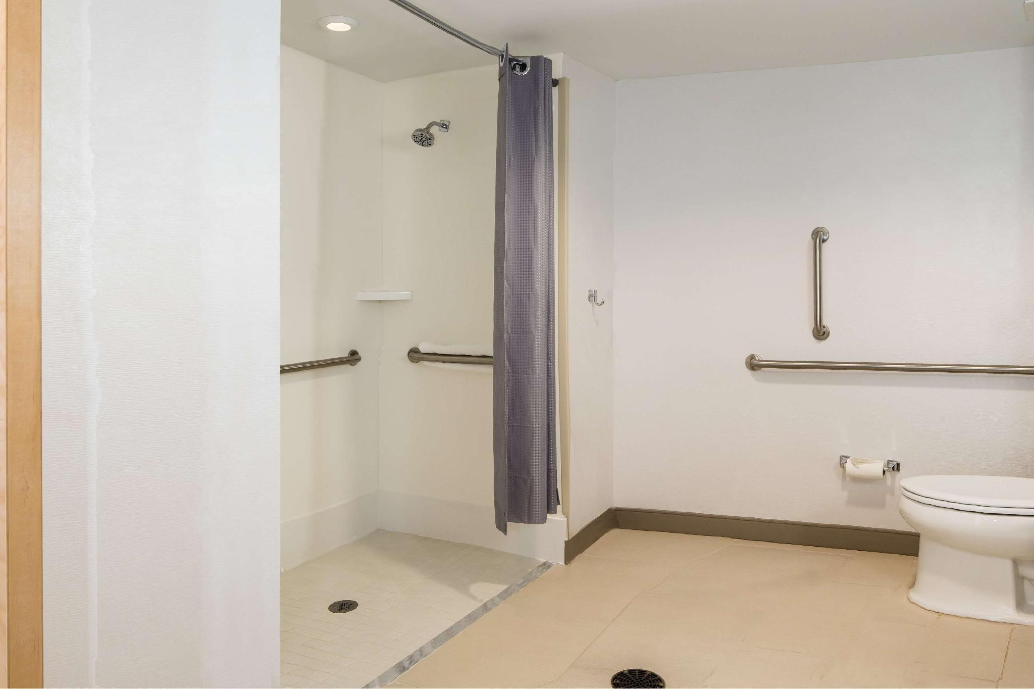 2 Queen Mobility Hearing Accessible 3X3 Shower