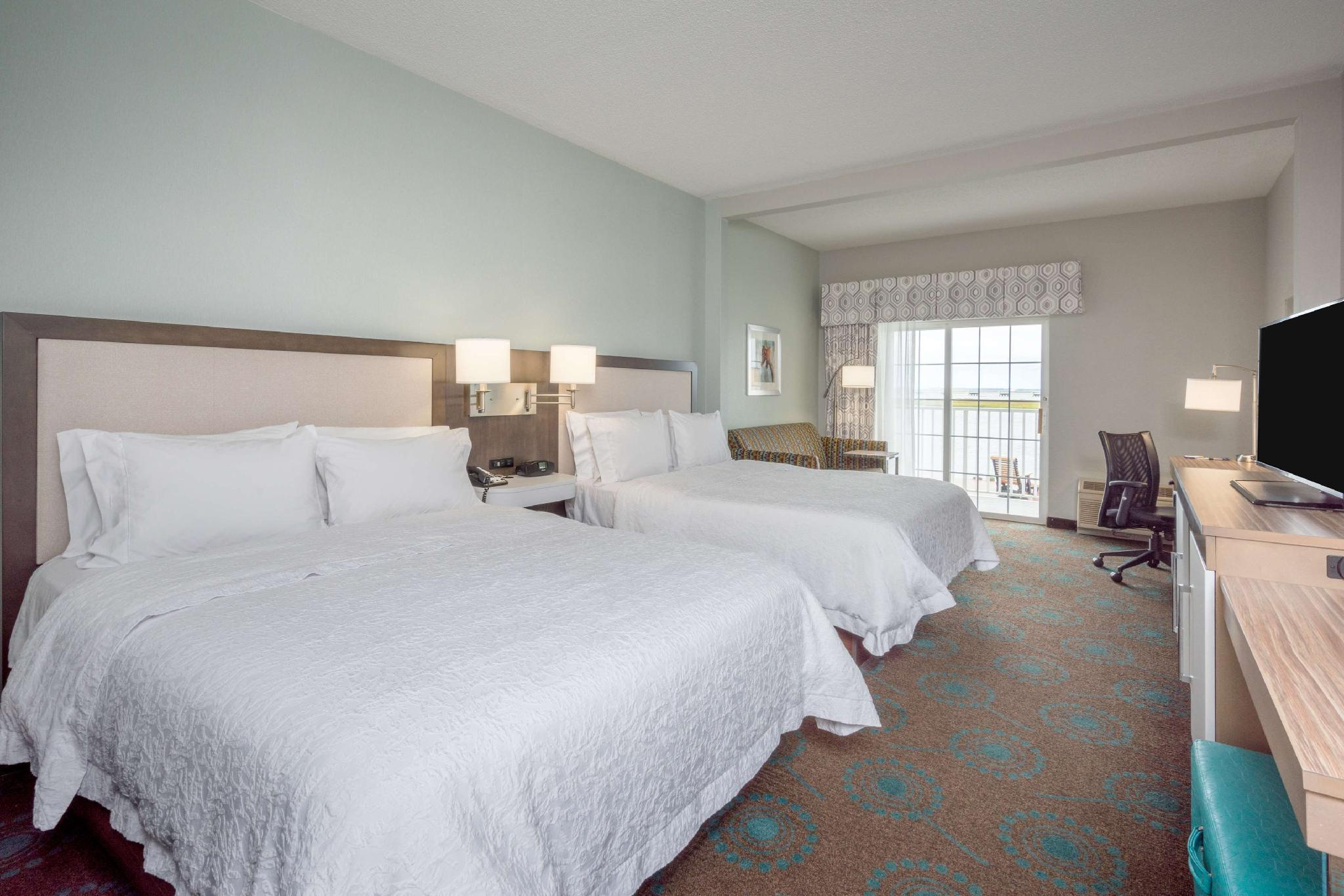 2 Queen Beds W/ Balcony Waterfront Non-smoking