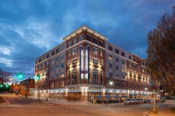 Hampton Inn Portland Downtown-Waterfront
