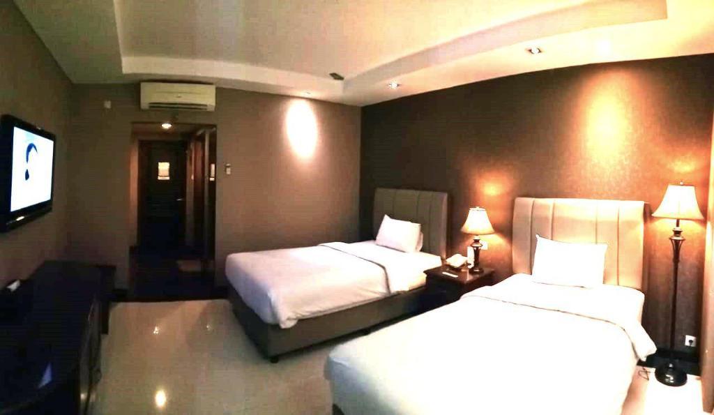 Fasilitas kamar Hotel Padang
