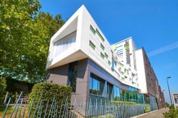 Pusat Campanile Nantes - Saint Jacques