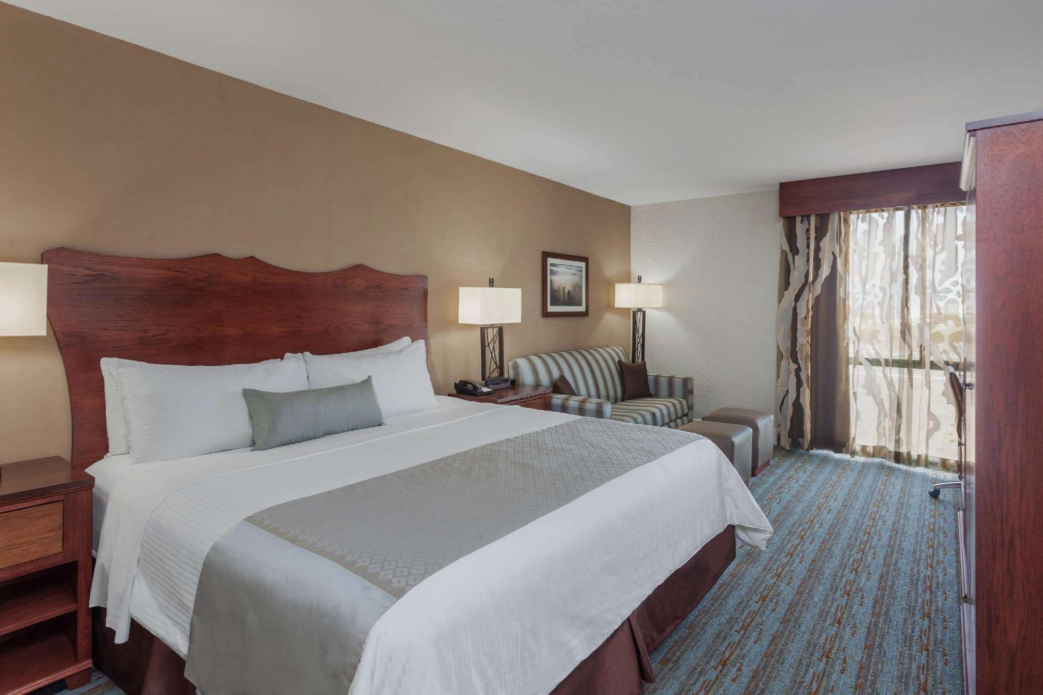 1 King Bed, Executive Room, Non-Smoking