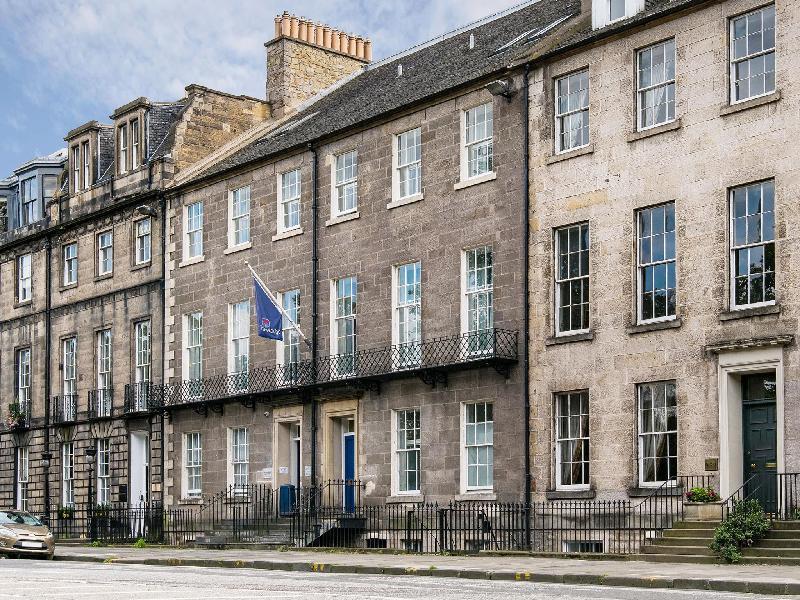 Travelodge Edinburgh Central Queen Street ⭐⭐⭐