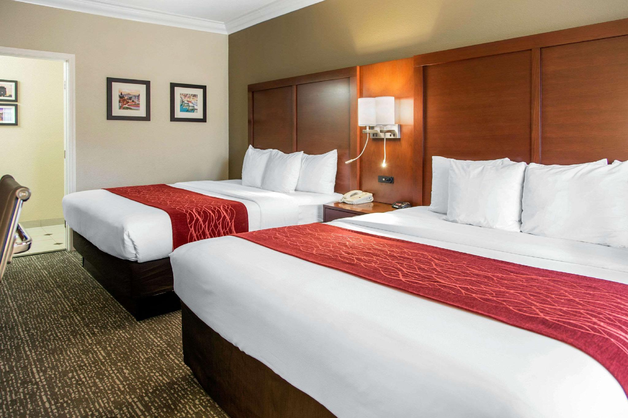 2 King Beds, Business Room, Nonsmoking