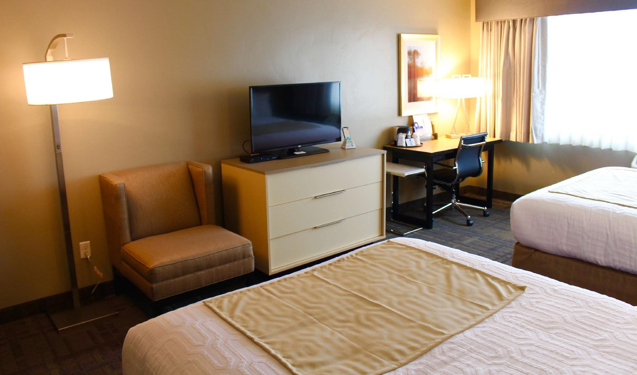 2 Queen Beds Junior Suite Non-Smoking
