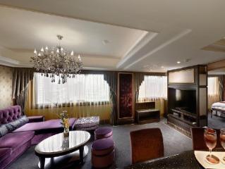 فندق كوزموس تايبي