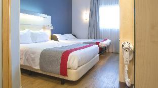 1 Queen Bed Standard Sofa Bed