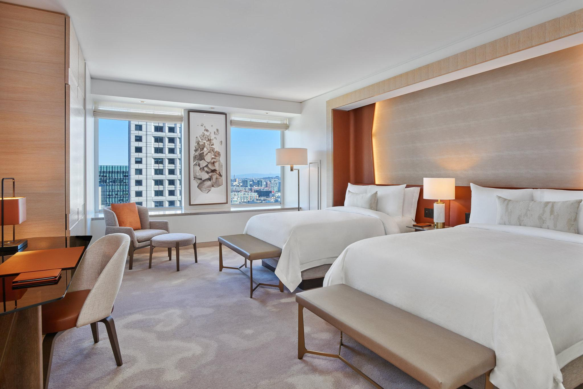 Deluxe, Guest room, 2 Double, City view