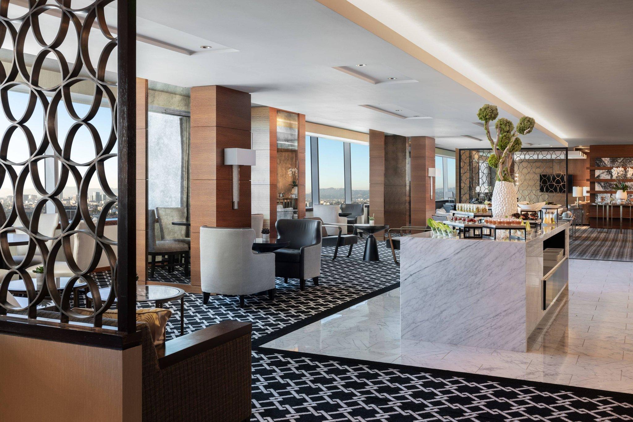 Club Deluxe Queen, Club lounge access, Guest room, 2 Queen