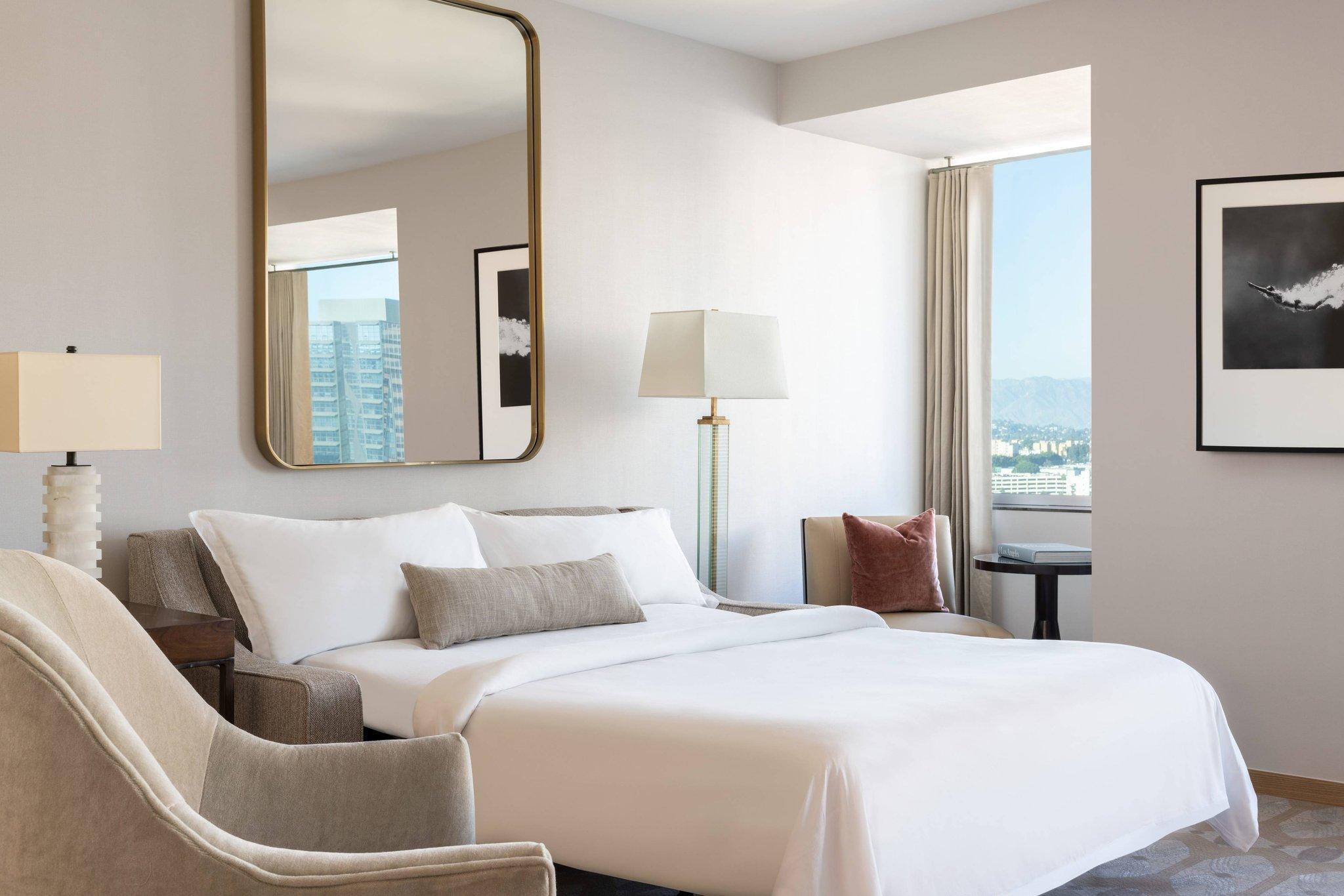 Executive Suite, Executive Suite, 1 King, City view