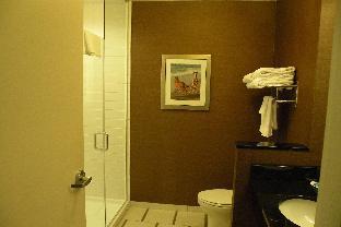 Guest room, 2 Queen, Partial water view