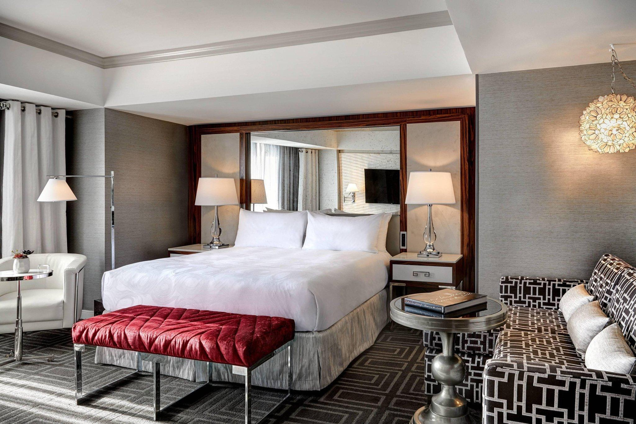 Executive Room, Larger Guest room, 1 King