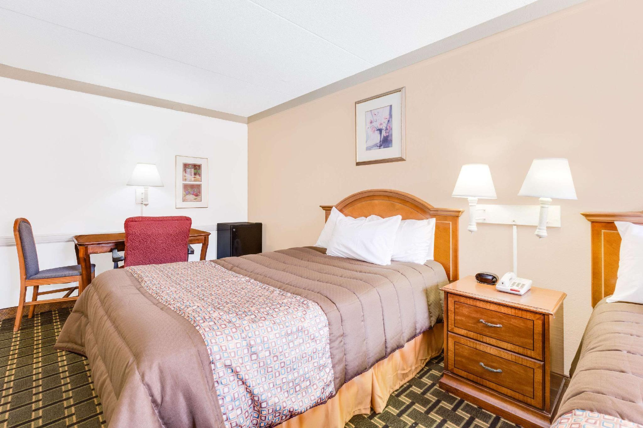 2 Double Beds, Mobility Accessible Room, Smoking