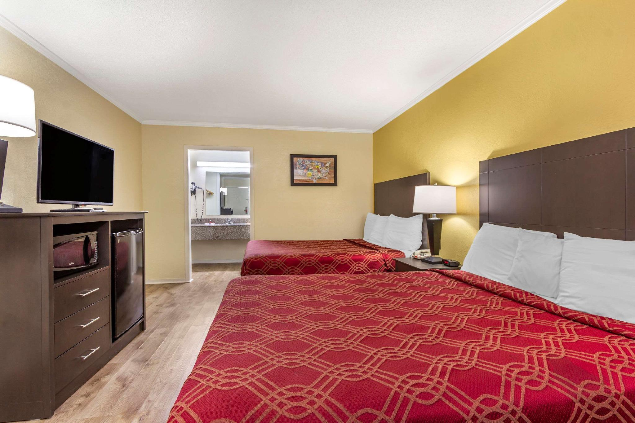 2 Double Beds, Nonsmoking, Accessible