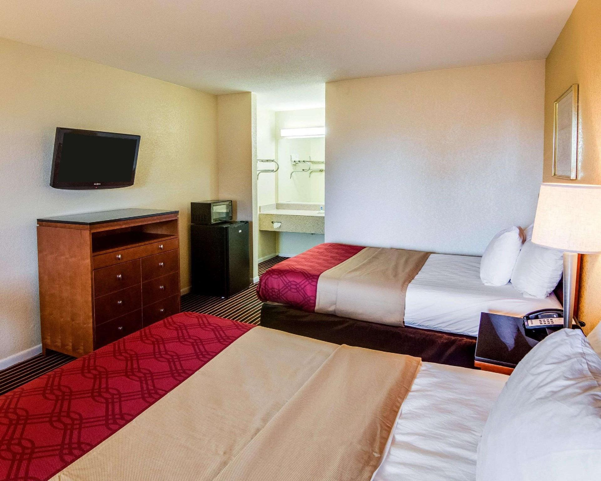 2 Double Beds Nonsmoking Accessible