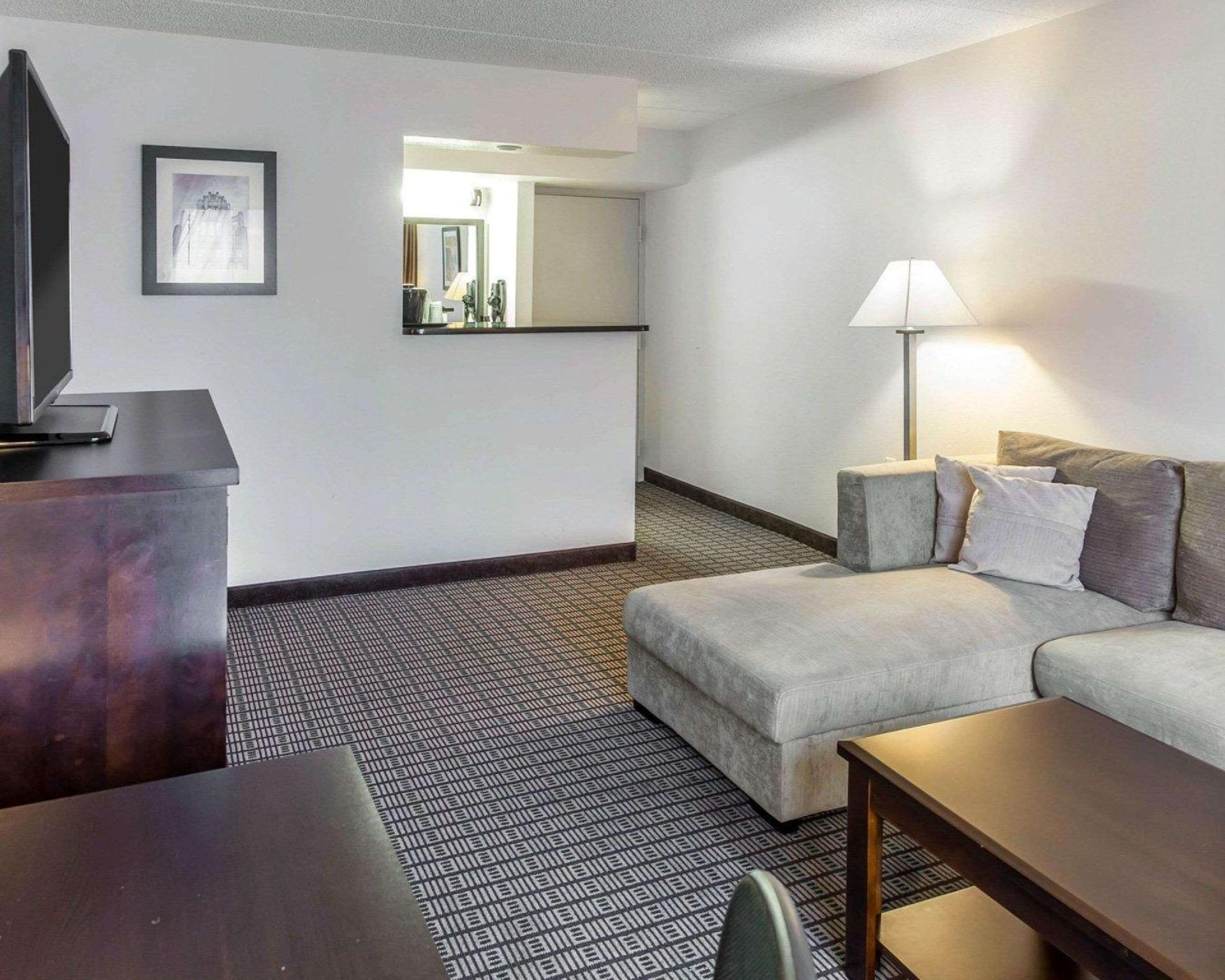 2 Double Beds, Suite, Non-Smoking