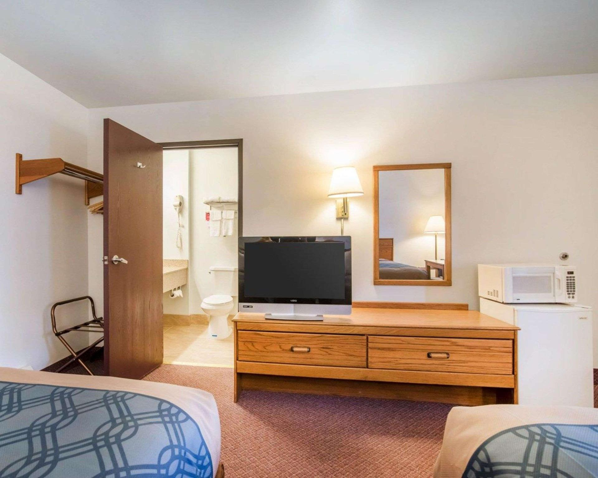 2 Double Beds No Smoking