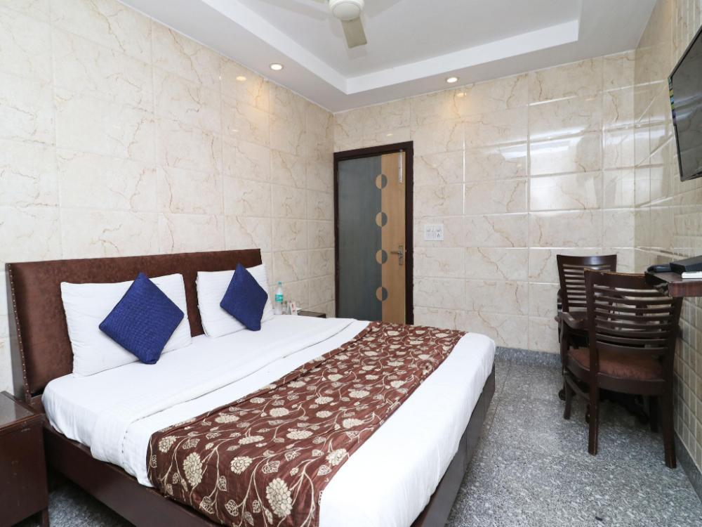 Hotel OYO 2705 Hotel Preet Palace