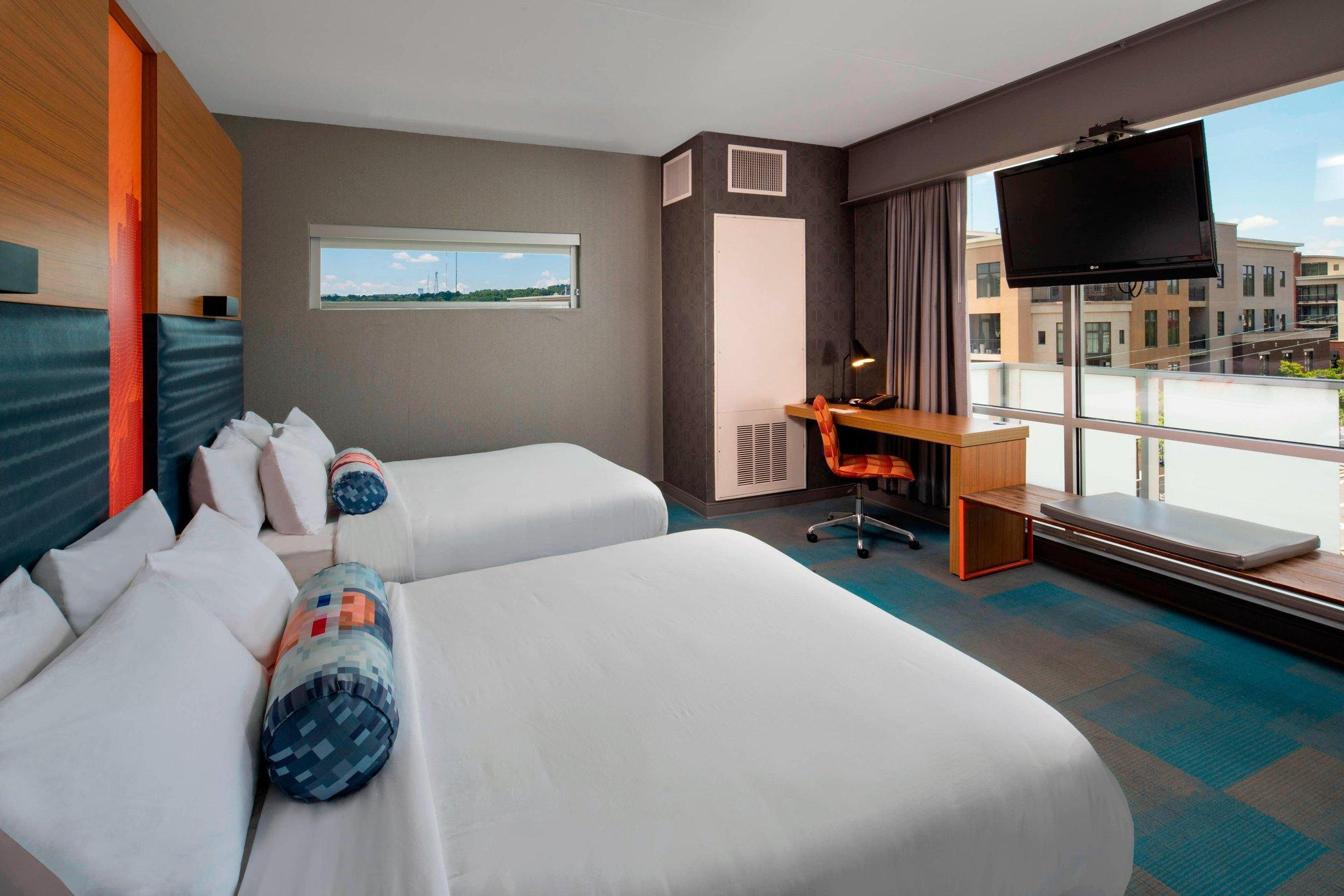Aloft, Larger Guest room, 2 Queen, City view, Corner room