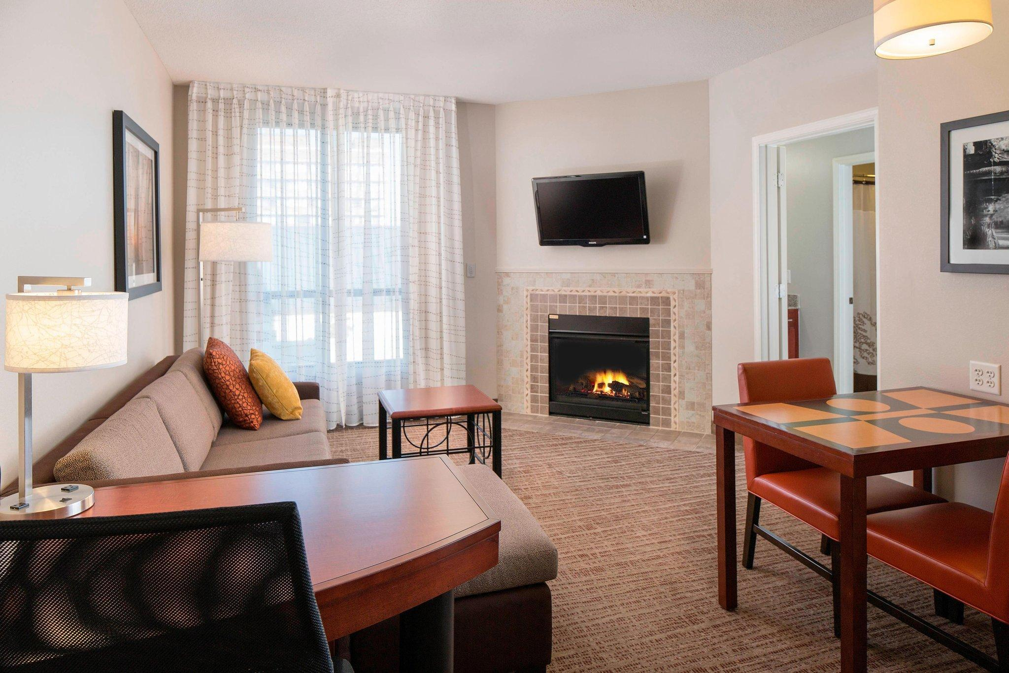 1 Bedroom with Fireplace, 1 Bedroom Suite, 1 King, Sofa bed