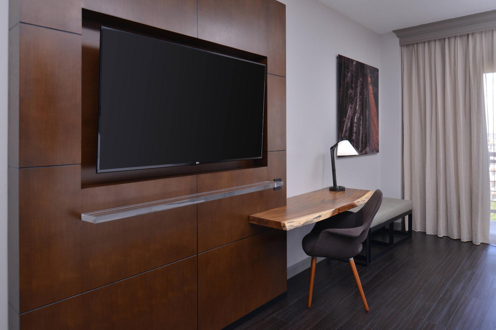 Exec Level Queen/Queen Rm, Guest room, 2 Queen, High floor